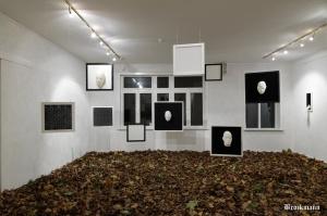 Galerie Nexus_0006 Knitting Installation Here´s Still Light by Brockmann 2
